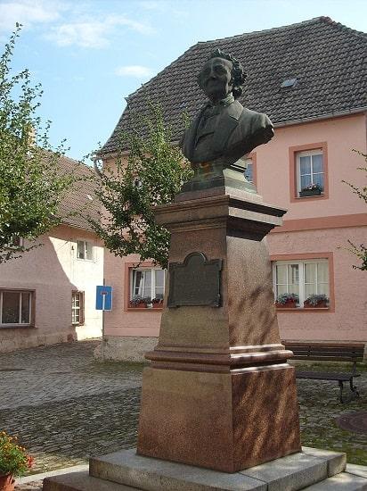 Busto dedicado a Leopoldo von Ranke, gran referente del historicismo alemán