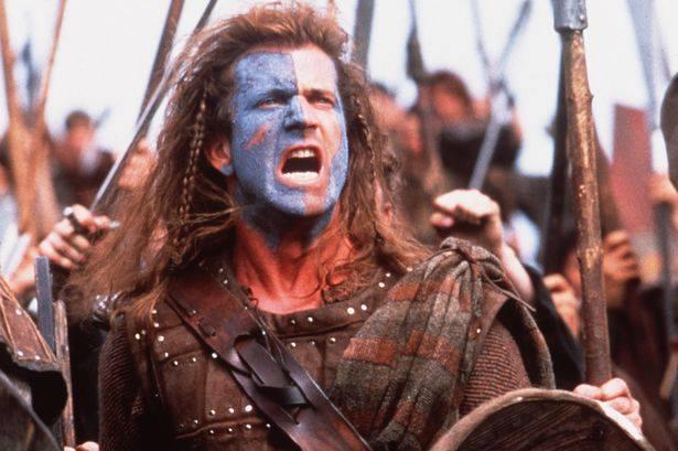 """Mel Gibson caracterizado como William Wallace en la película """"Braveheart"""", llena de múltiples errores de ambientación histórica."""