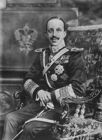 Fotografía del rey Alfonso XIII de España sacada en 1916, 20 años antes del golpe del 18 de julio de 1936