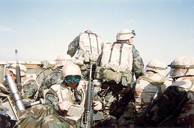 Soldados estadounidenses durante la guerra del golfo