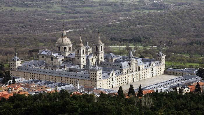 Vista desde el aire del Monasterio de San Lorenzo de El Escorial, ubicación de la biblioteca del Escorial