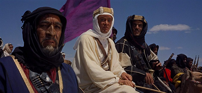 Anthony Quinn, Peter O'Toole y Omar Sharif en la película Lawrence de Arabia