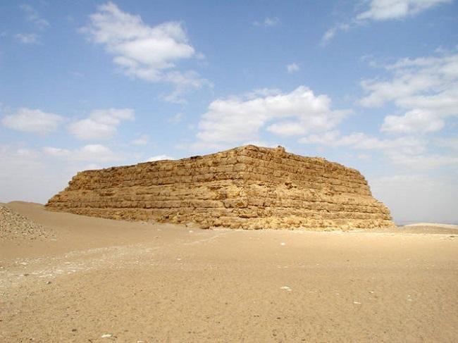 Estado actual de la mastaba de Shepseskaf, último rey de la IV Dinastía egipcia