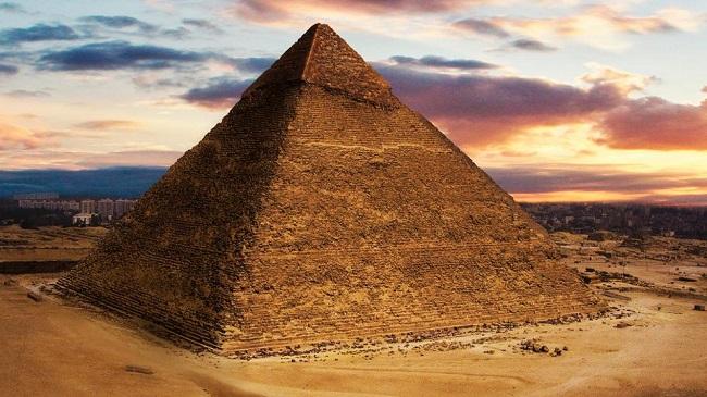 Pirámide de Kefrén, hecha en la IV Dinastía egipcia