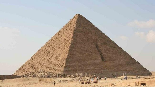Pirámide de Micerino, hecha en la IV Dinastía egipcia