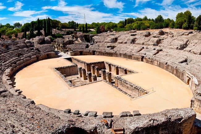 Estado actual del anfiteatro de Itálica, fundada como consecuencia de la victoria en las batallas de Escipión el Africano