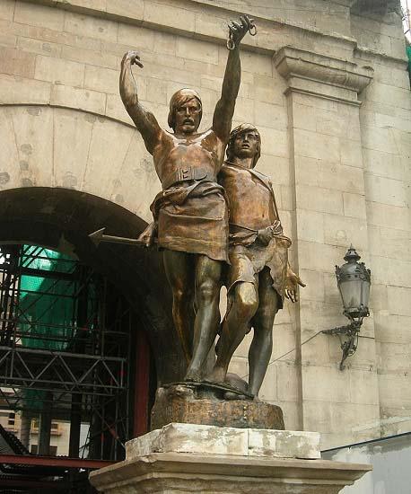 Estatua de bronce dedicada a Indíbil y Mandonio, aliados en las batallas de Escipión el Africano en Hispania