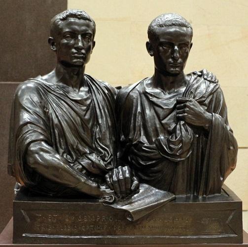 Doble busto de bronce de los hermanos Cayo y Tiberio Graco hecho por Eugène Guillaume a mediados del s. XIX