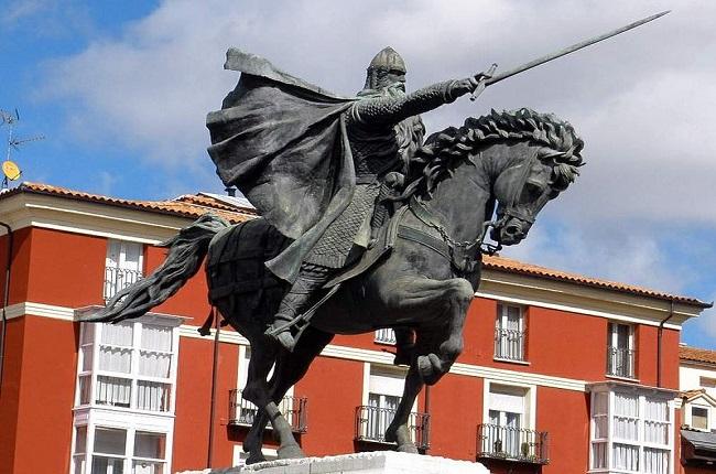 Monumento ecuestre dedicado a Rodrigo Díaz de Vivar, el Cid Campeador, en Burgos