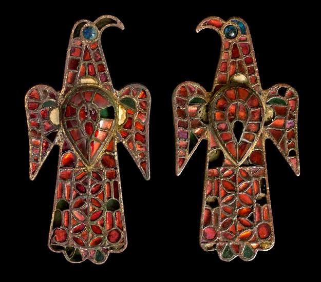Fíbulas aquiliformes de los godos de Hispania conservadas en el Museo Arqueológico Nacional