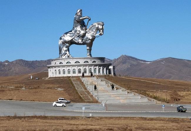 La estatua a caballo de Gengis Kan más grande del mundo