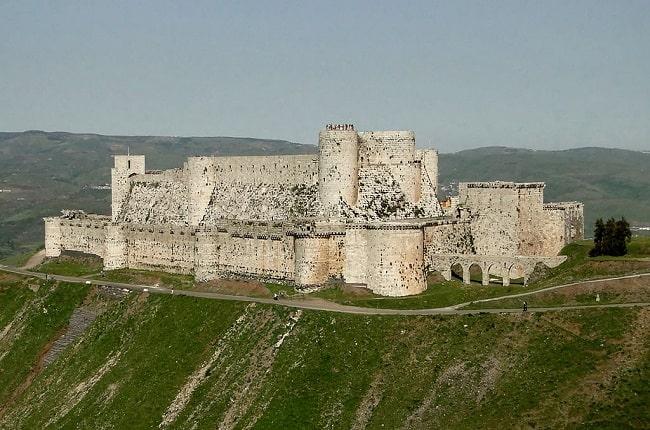 El Crac de los Caballeros, uno de los castillos y fortalezas medievales mejor conservados del mundo, es también un gran símbolo del tiempo de las cruzadas tratadas por Dan Jones
