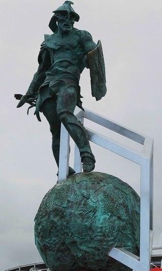 Estatua monumental de Espartaco expuesta en un estadio de Moscú