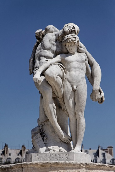 Estatua de Espartaco expuesta en el Jardín de las Tullerías, en París