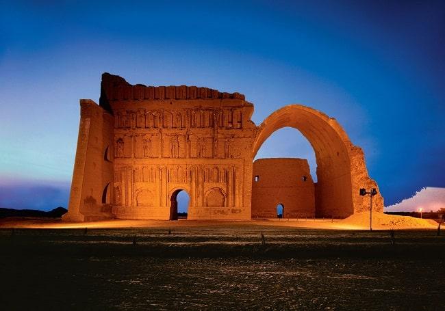 Restos del palacio de Ctesifonte, en el actual Irak, que fue la capital del Imperio parto. En el 53 a.C. Marco Licinio Craso tendría una muerte horrible después de la batalla de Carras cuando intentaba llegar hasta ella para conquistarla