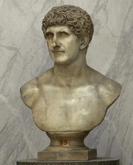 Busto romano de Marco Antonio exhibido en los Museos Vaticanos