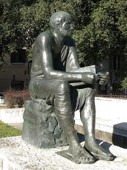 Estatua de Marco Terencio Varrón en Italia
