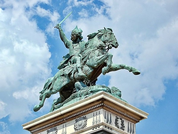 Monumento ecuestre de Vercingétorix, protagonista de la batalla de Alesia