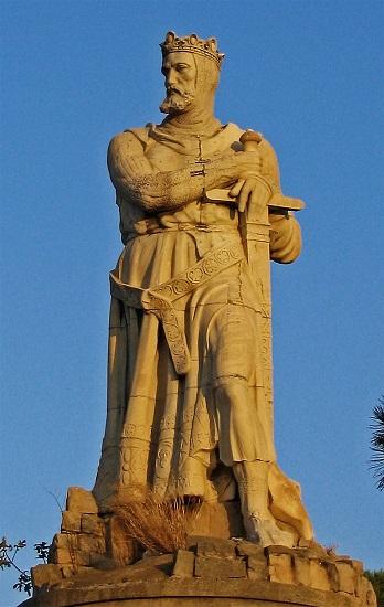 Estatua del rey Alfonso I de Aragón, marido de Urraca de León