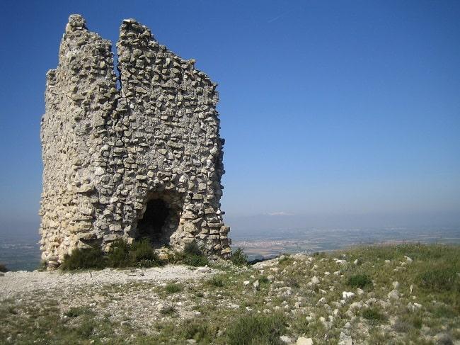 Torre de Candespina (cerca de Sepúlveda), en la cual Urraca de León es retenida tras la batalla de Candespina