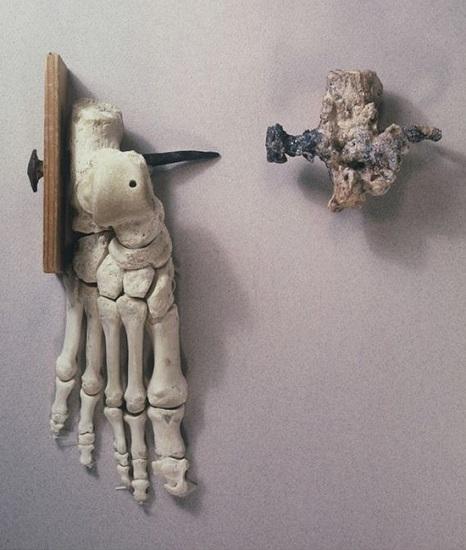 Evidencia antropológica encontrada en 1968 sobre una de las crucifixiones en la antigua Roma y una reconstrucción actual