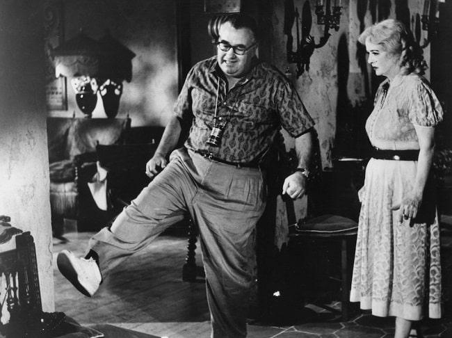 El director Robert Aldrich durante el rodaje de ¿Qué fue de Baby Jane?