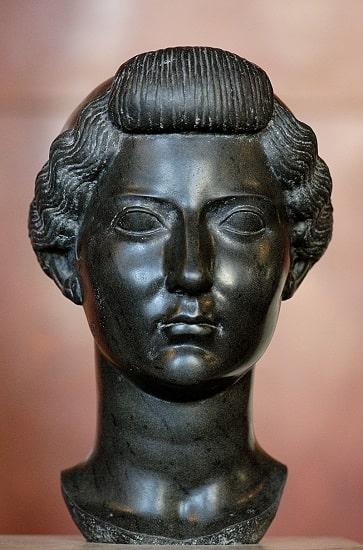Busto de la emperatriz Livia Drusila conservado en el Museo del Louvre de París