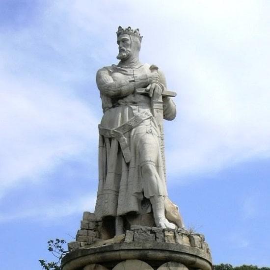 Estatua del rey Alfonso I el batallador (1104 - 1134) en Zaragoza