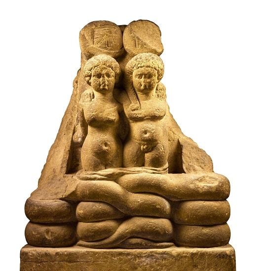 Estatua que representa a los hijos gemelos de Marco Antonio y Cleopatra