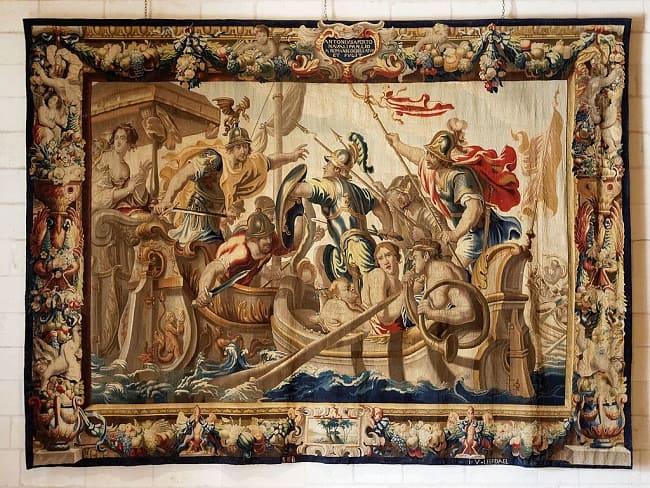 Obra sobre la batalla de Accio entre Roma y Egipto expuesta en el Castillo de Chambord, en Francia
