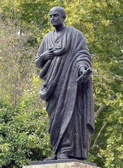 """Estatua de Séneca, protagonista de """"Séneca. La sabiduría del imperio"""", ubicada en la ciudad de Córdoba"""