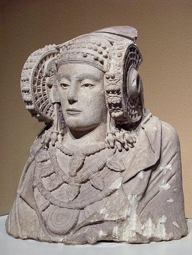 La Dama de Elche, epicentro de la obra de Rafael Ramos