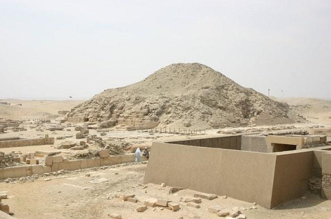Restos de la pirámide de Unas